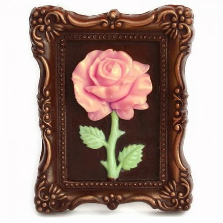 Róża płaskorzeźba