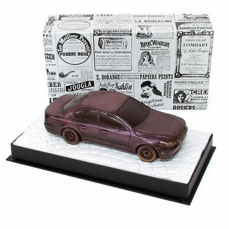 piękny prezent z czekolady Samochód BMW sedan