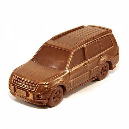 czekoladowy Samochód Mitsubishi Pajero słodki upominek