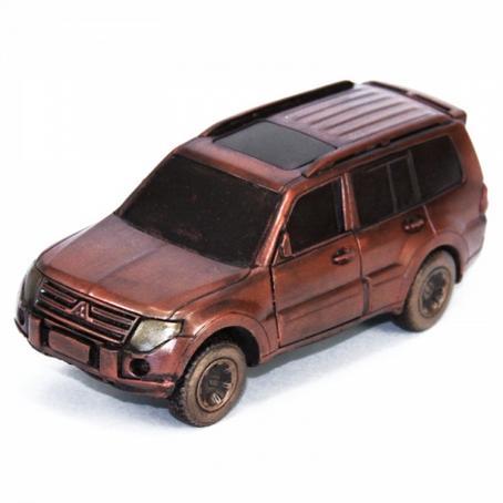 wyjątkowy prezent Samochód Mitsubushi Pajero z czekolady