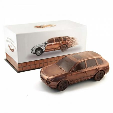 Doskonały prezent Samochód Porsche Cayenne z czekolady