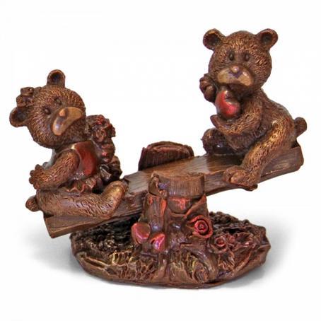 Niedźwiadki na huśtawce