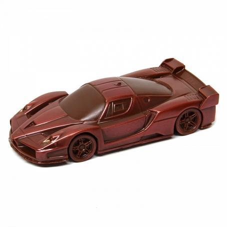 Samochód Ferrari FXX wyjątkowy prezent z czekolady